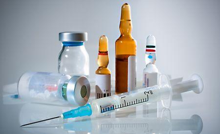 (Zentrum der Gesundheit) - Mit jeder Impfung gelangen nicht nur abgeschwächte Erreger in den Körper, sondern auch eine Menge Zusatzstoffe, ohne die der Impfstoff gar nicht wirken würde. Sie konservieren den Impfstoff oder verstärken dessen Wirkung auf das Immunsystem. Diese sog. Impfstoff-Adjuvantien wirken jedoch nicht immer nur so, wie man sich das wünschen würde. Sie können auch gravierende Nebenwirkungen haben. Eine Ausleitung dieser Stoffe nach erfolgter Impfung wäre folglich mehr als…