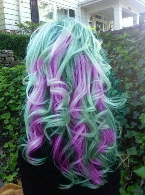 Lila och grönt hår (: