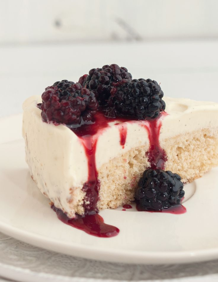 vanilla cake with blackberry topping