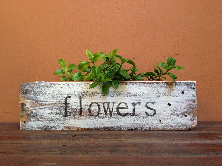 Macetero hecho con maderas de palet recuperadas - Flower container with pallet wood