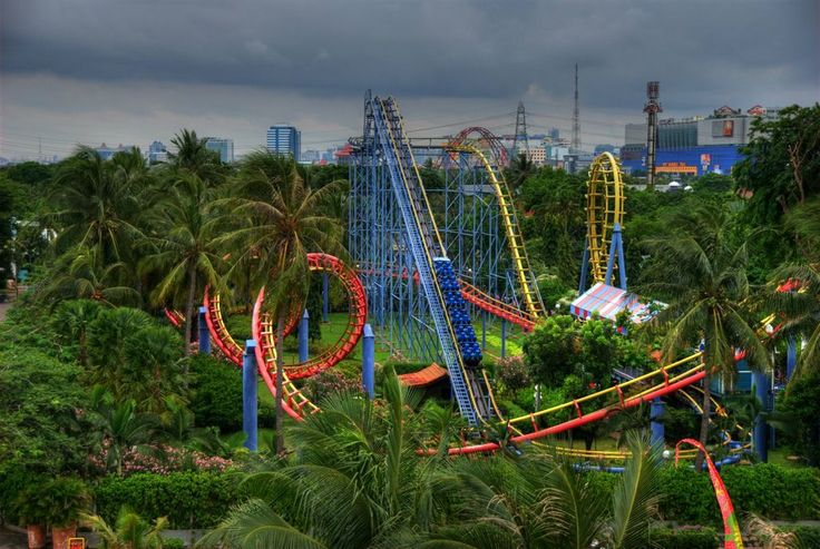 DUFAN is one of Indonesia's best theme park. Some says that it's also the first for Indonesia.