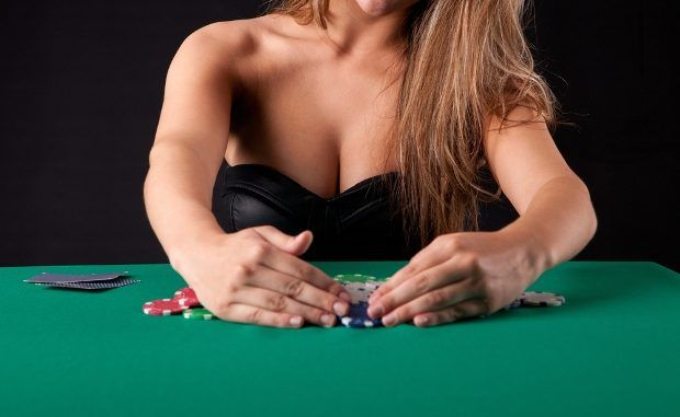 7 Pemain Poker Wanita Terseksi Di Dunia