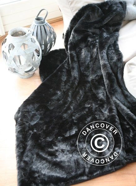 Faux Fur Blanket in black