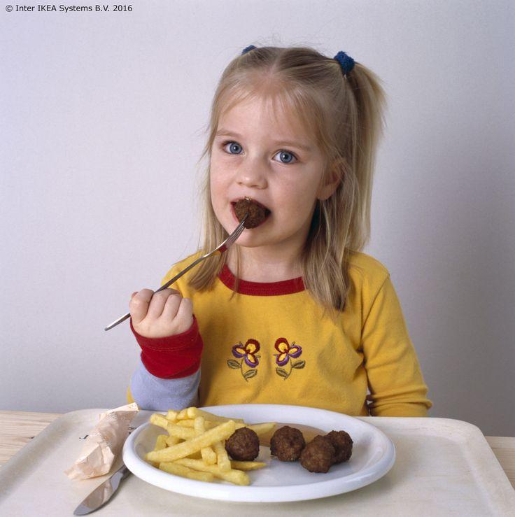 Do kraja siječnja u IKEA Restoranu imamo odličnu ponudu za najmlađe! :) Kupi jedno glavno jelo za odrasle i mi ćemo počastiti tvojeg mališana besplatnom dječjom porcijom okruglica po njegovom izboru! www.IKEA.hr/posebne_ponude