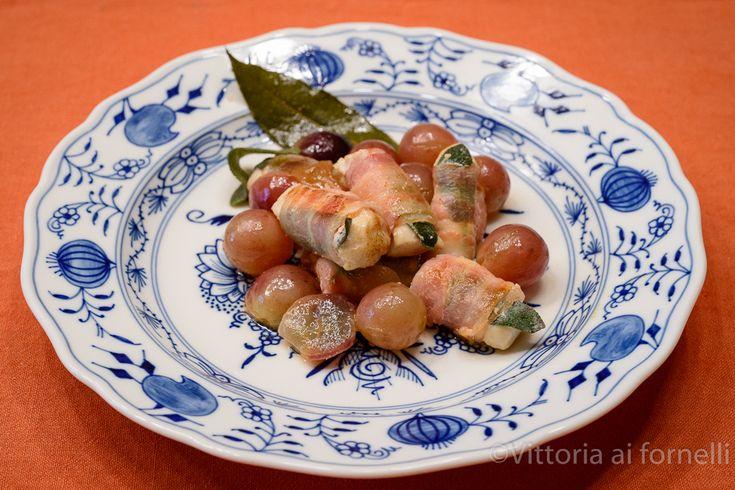 Involtini di pollo con bacon, salvia e uva - Vittoria ai fornelli