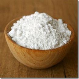 Il bicarbonato è uno degli ingredienti base per la gestione green della casa. Insieme all'aceto risolve moltissime situazioni, in modo sano ed ecologico. S