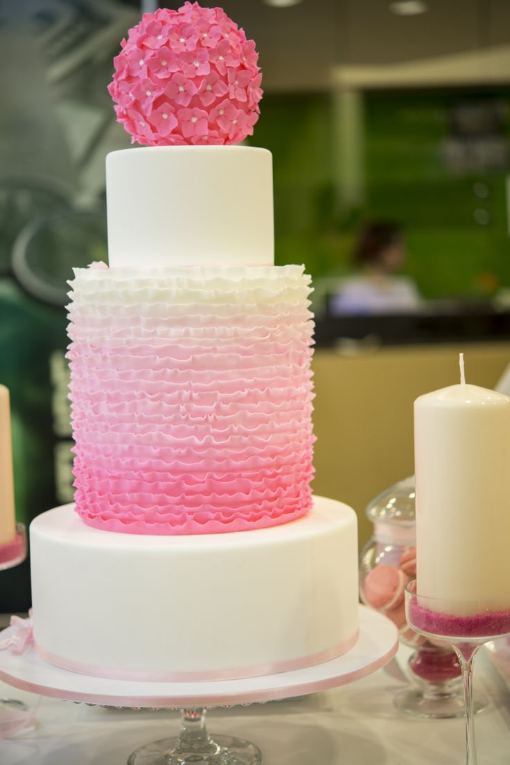 Pink wedding cake - Corina Toma and Boheme delices francaises
