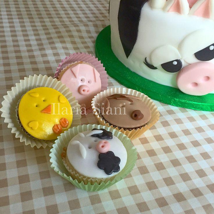 Cupcakes a tema animali della fattoria  #instafood #ilas #ilassweetness #cupcakes #cakedesign #pastadizucchero #compleanno www.ilas.webnode.it www.facebook.com/ilascake