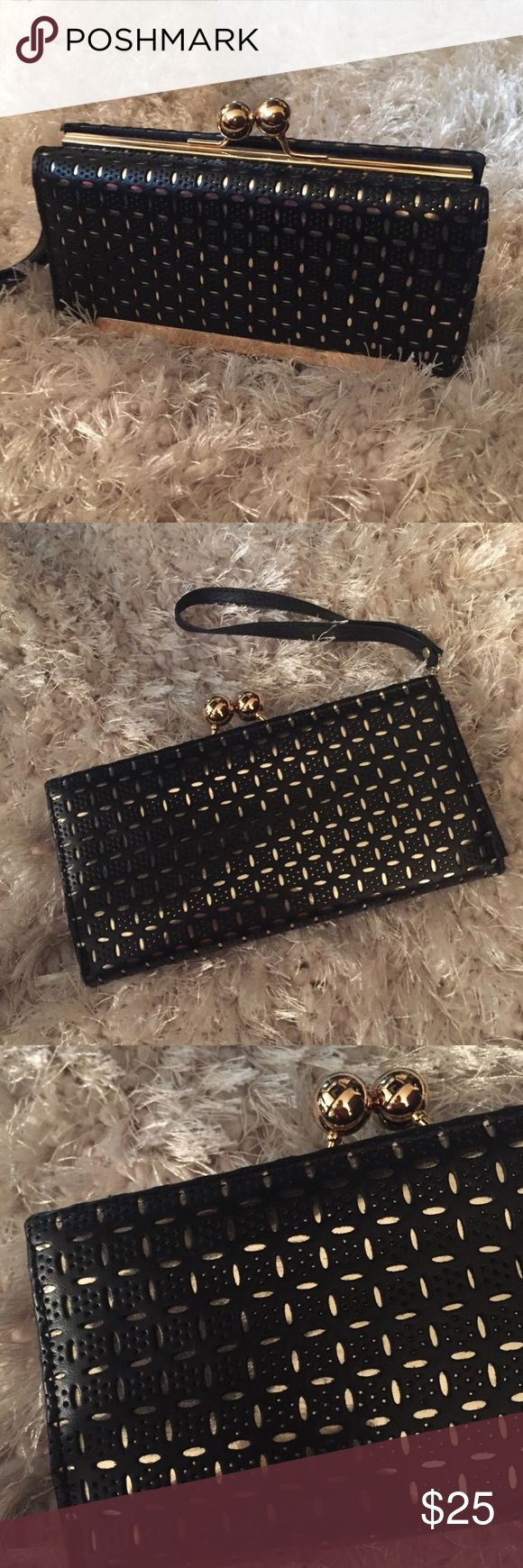 Gorgeous Black and Gold Clutch ✨ Gorgeous Black and Gold Wallet Clutch ✨ Bags Clutches & Wristlets