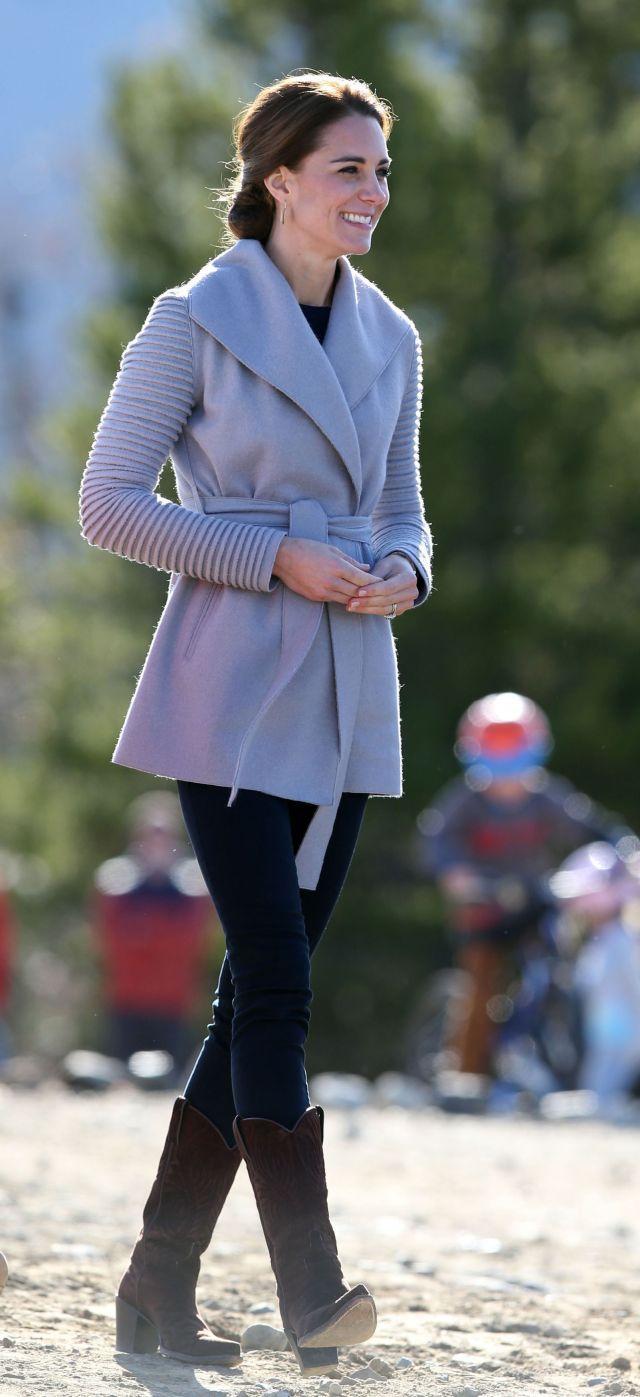 Vie, ako na to! Vojvodkyňa Kate je vždy dobre oblečená a šik: Môže za to 1 geniálny trik, foto ako dôkaz   Casprezeny.sk