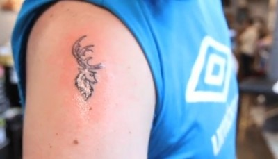 Game of Thrones tried to get fans and people alike into the swing of things. What better way to do that than make people pledge their allegience by giving them tattoo's!