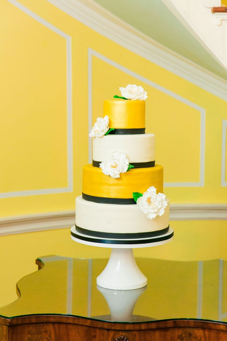 wedding cake made by PPHG pastry chef Jessica Grossman at Carrie & Ryan's wedding at Lowndes Grove | Charleston, SC | Real Wedding featured on The Knot |  Photo by Dana Cubbage Weddings