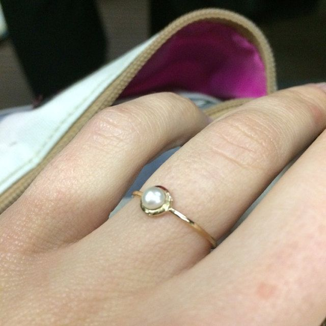 Received an absolutely beautiful engagement ring, and very quickly! Thank you so much!