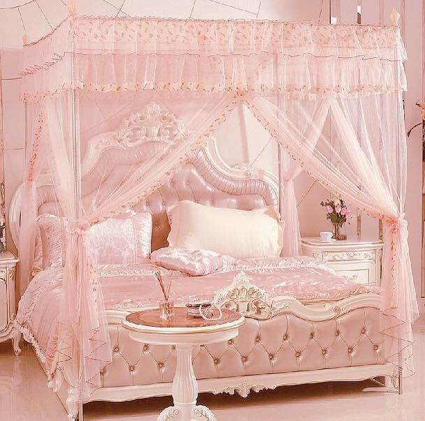 GORGEOUS PINK GIRLY ROOM