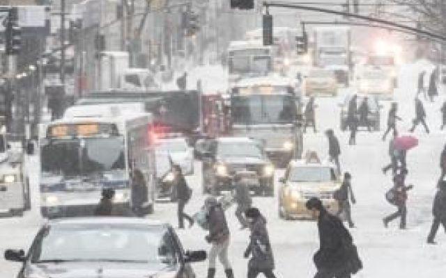 Meteo in Europa potrebbe scatenarsi la stessa tempesta di neve avutasi in America: le date secondo previsioni Lo scorso weekend gli Stati Uniti hanno fatto i conti con una veemente bufera di neve a cui è stato dato il nome Jonas. Come avviene ormai da tradizione attribuendo un nome agli eventi atmosferici devastanti. La tempesta ha fatto molti danni: New York è stata letteralmente paralizzata per diverse ore: bloccato infatti sia il traffico aereo (con 8600 voli cancellati) che quello…