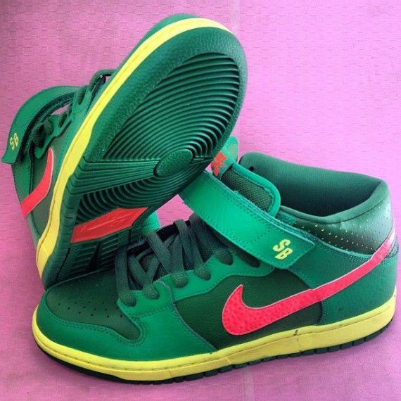 Nike SB Dunk Mid Watermelon