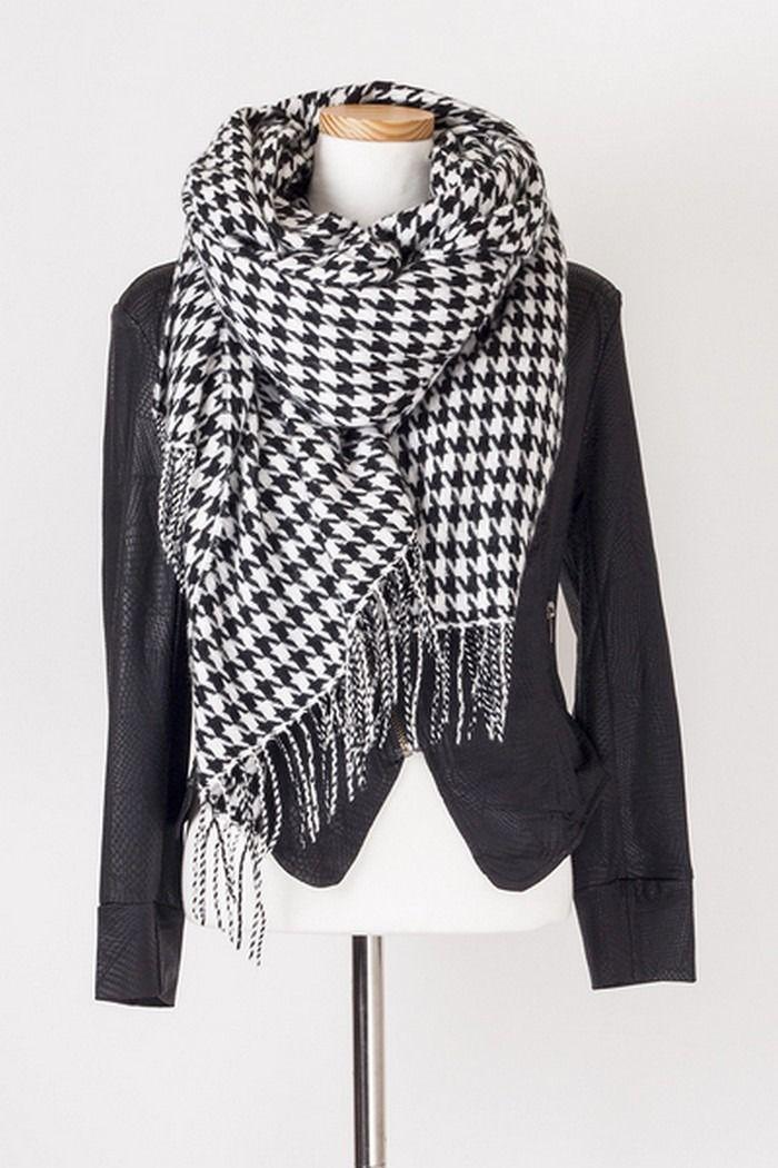 Echarpe chaude a carreaux en lainage - pied de poule blanc noir : Echarpe, foulard, cravate par allthepetitsthings