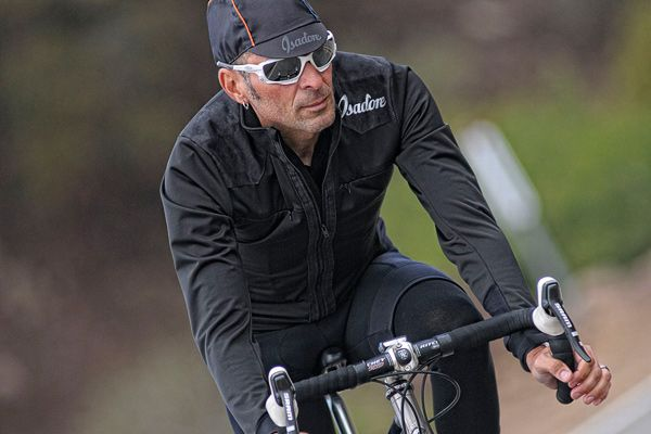 Merino Membrane Softshell Jacket - All the details are exactly right, the pockets are perfect for stowing essentials, phone and key. #isadoreapparel #roadisthewayoflife #cyclingmemories