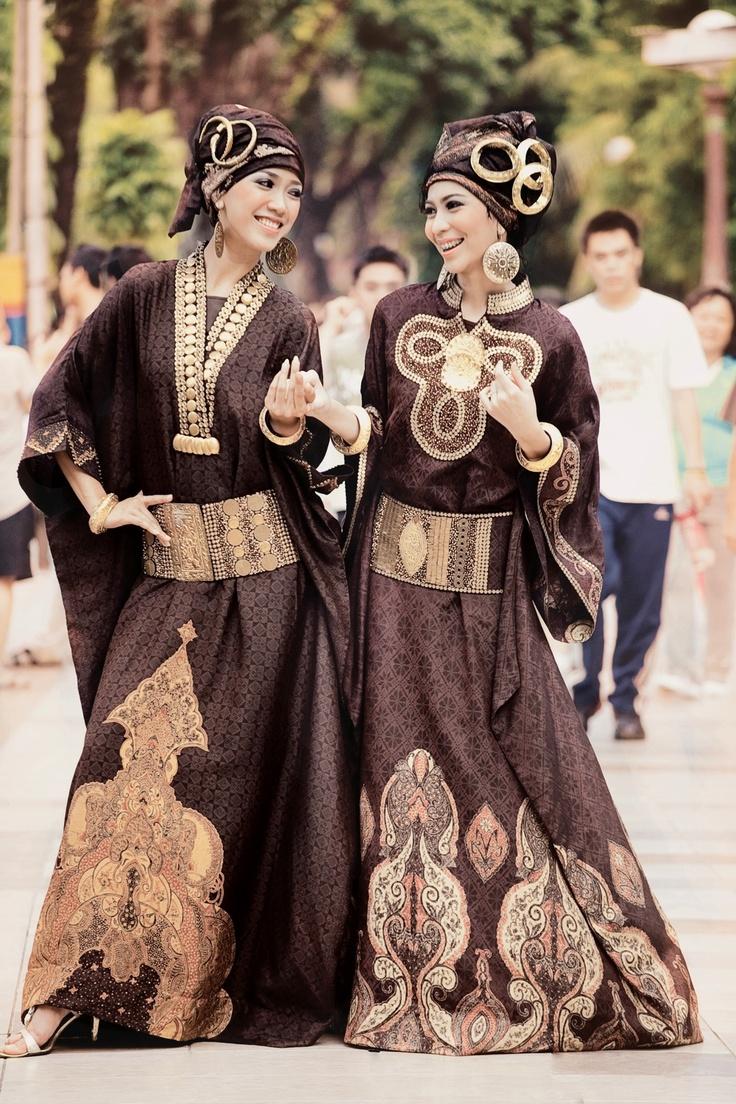 Chinese Miao Updated High Fashion