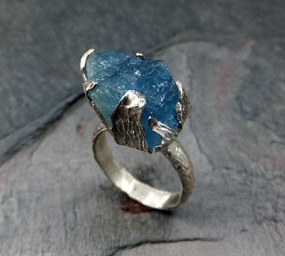 Hommes ou femmes précieuses aigue-marine brute brute anneau recyclé en argent Sterling déclaration anneau bleu Pierre Cocktail Ring taille 9.5 prêt à expédier