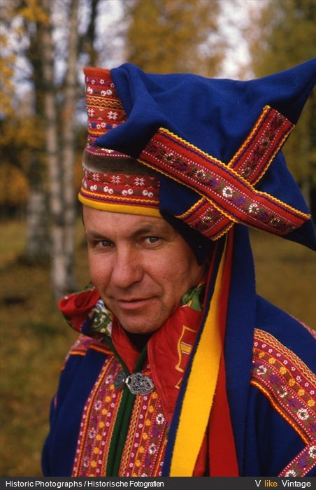 traditional dress of finland, sammi in lapland - Google Search