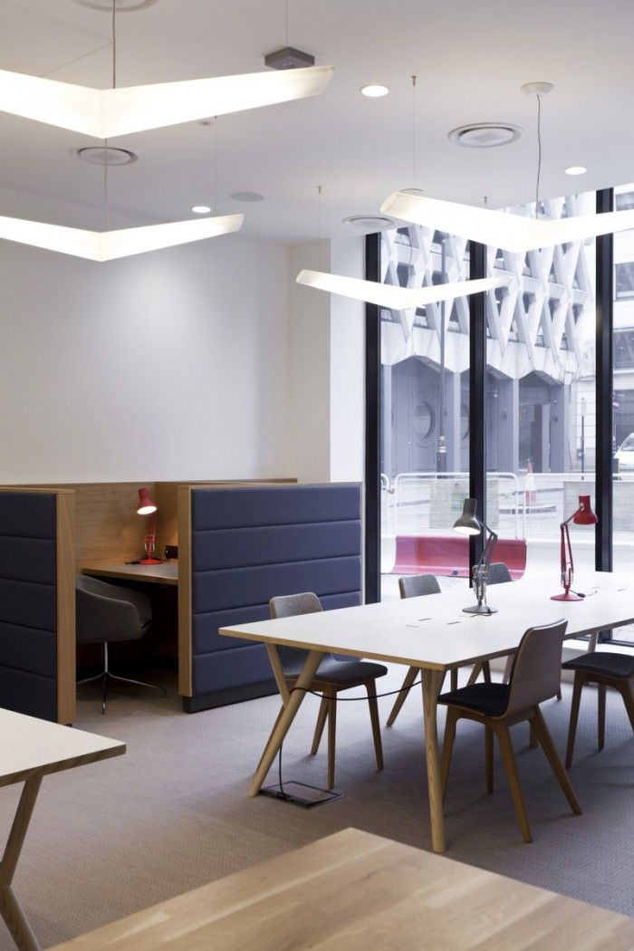 ClubRooms Marylebone Flexible Working MC HR.03.2013 700x1050 The Office Groups Art filled West End Offices