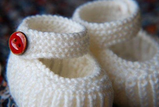 b1ca879b66d Teeny Tiny Mary Janes – Free Baby Shoes Knitting Pattern