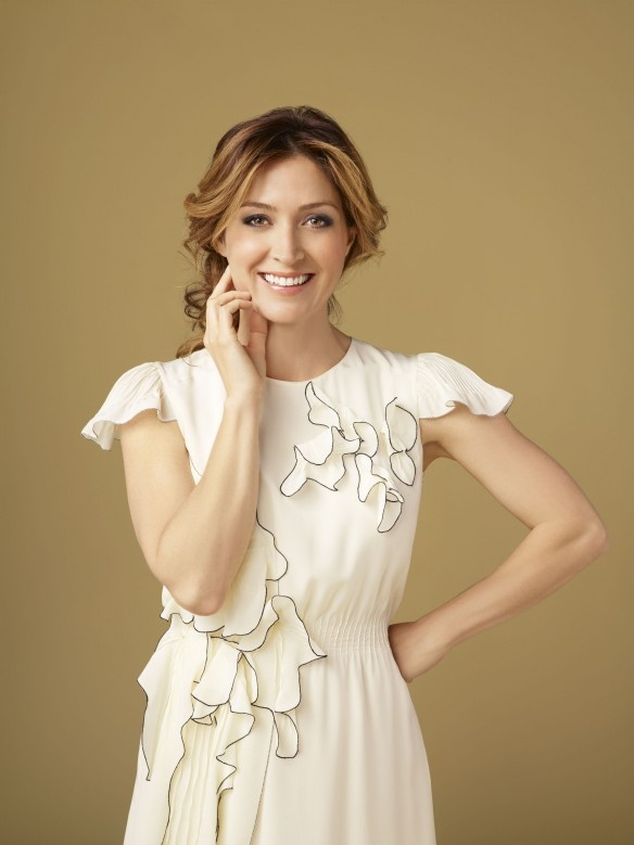 Sasha Alexander plays Dr. Maura Isles on Rizzoli & Isles. She is a great actress.