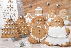 I biscotti pan di zenzero sono dei biscottini buonissimi dal sapore speziato, perfetti da decorare con la ghiaccia reale e carinissimi da usare come decori!