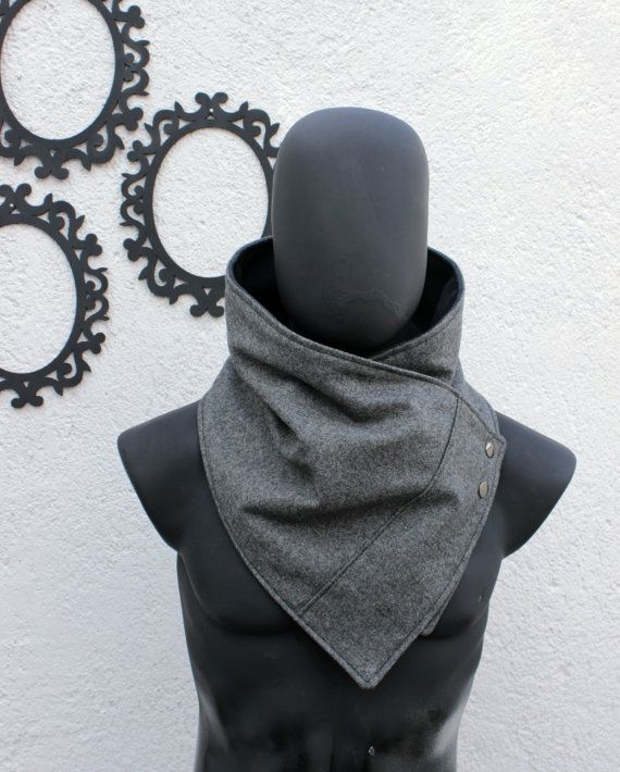 The perfect gift for your boyfriend, husband, best friend, brother, etc.  This neckwarmer is very cozy and trendy. Fully lined,so dont itch :)  The outside is oxford grey wool,classy and high quality. The inner side is grey polyamide,IT IS NOT FLECEE; the polyamide is much better quality fabric, very soft and warm and besides keep looking good as new after wash and wash. Fasten your cowl scarf with two metalic snaps.  Size S-L fits man and women size S-L. Measurements: L 37  x W 10 (94 cm x…