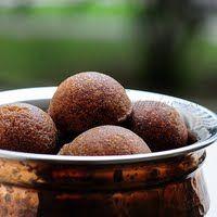 Unniyappam-Nei Appam-Neyyappam Recipe (Using Rice Flour)-Diwali Sweets
