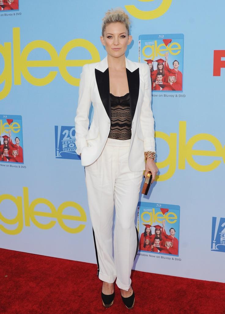 Kate Hudson a Gee premierjén, Alexander McQueen nadrágkosztümben.  forrás: instyle.hu