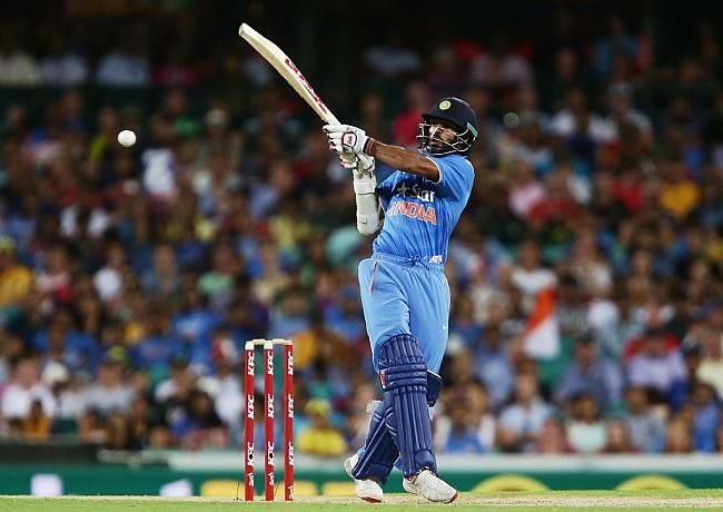 Shikhar Dhawan began India's chase in blazing fashion, smashing a 9-ball 26. The knock included four boundaries and a six.