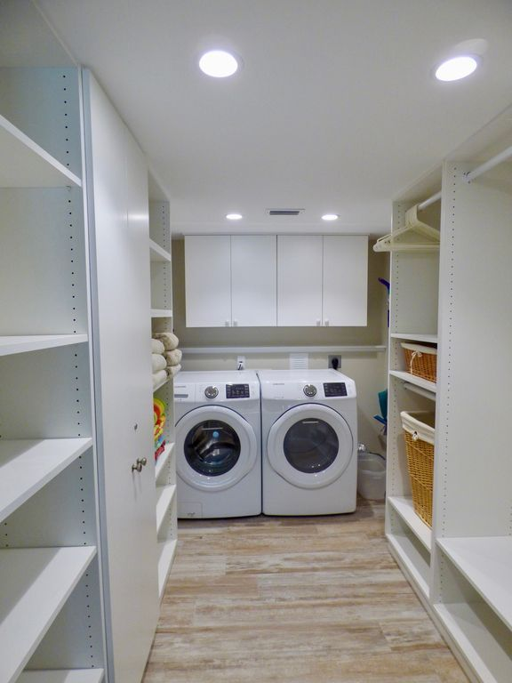 Image Result For Master Walk In Closets With Washer And Dryer Laundry Room Closet Walk In Closet Washer And Dryer