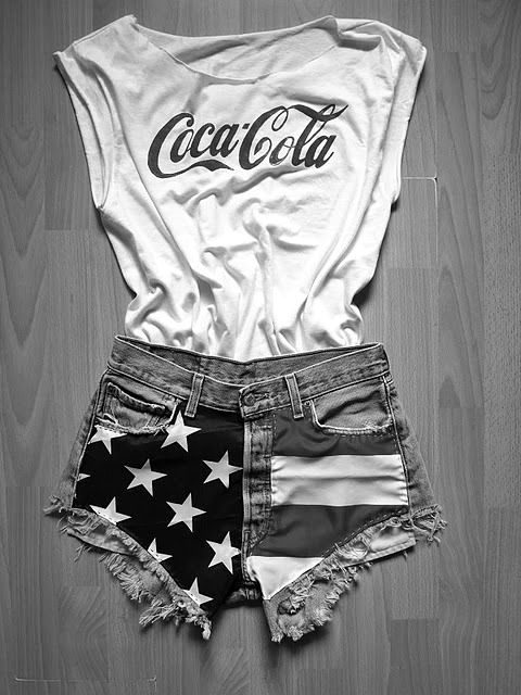 : Coca Cola, American Flags, Style, Fourth Of July, Cocacola, Summer Outfits, Shorts, 4Th Of July, American Girls