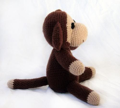 monkey amigurumi free pattern. Its in Dutch so open the link in Chrome to translate :)