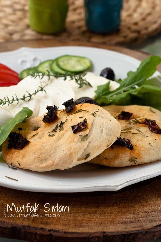Kekikli Biberiyeli Kahvaltı Ekmekleri – Mutfak Sırları