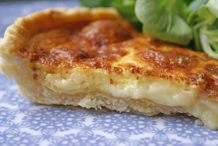 Tarte au Maroilles 400gr de maroilles 20cl creme 4oeufs 1cas de maizena sel poivre muscade