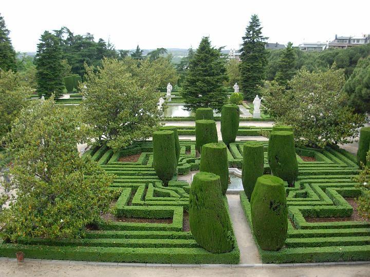 17 best images about madrid spain on pinterest statue of miguel de cervantes and throne room - Jardin d ulysse espana ...