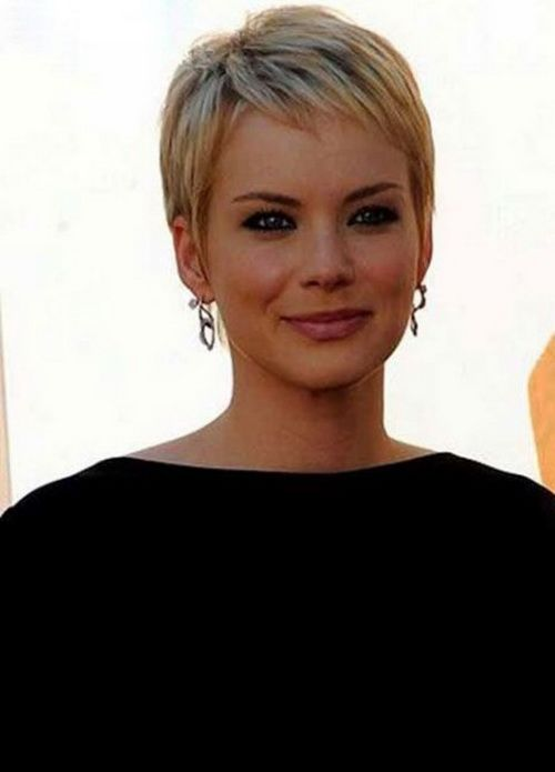 35+ Short Pixie Haircuts That Give An Edgy But Feminine Vibe ...