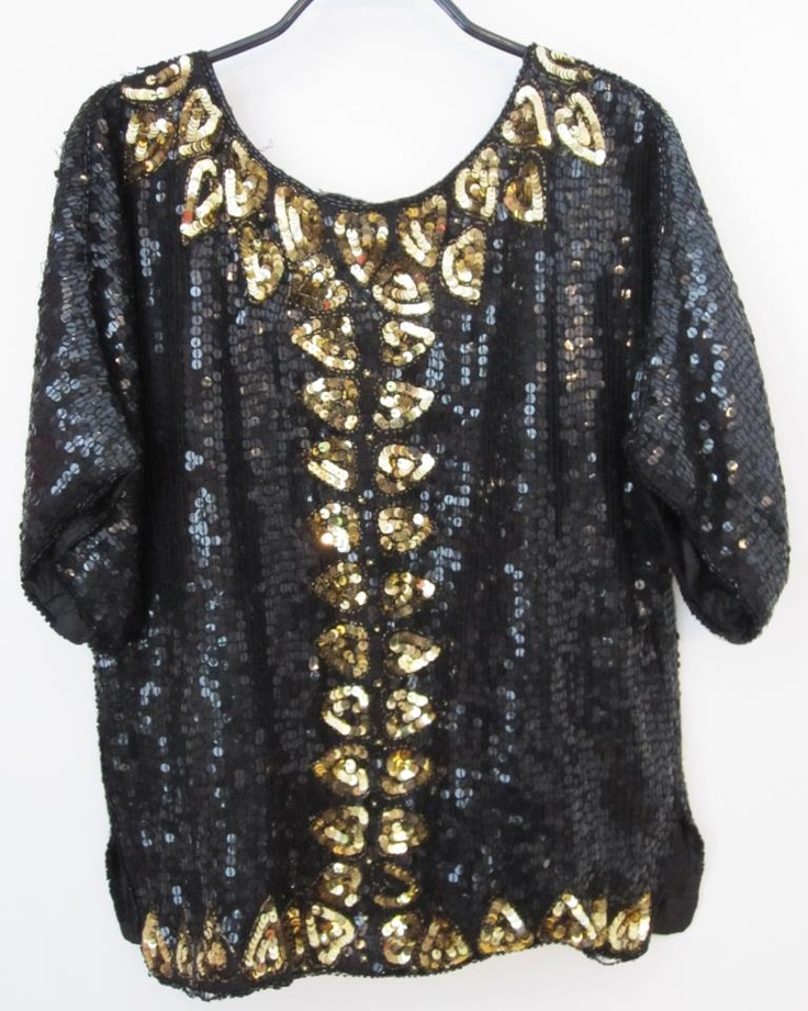 Vintage sequence top    100% silk  Size 38  Dkk 399,-  Available in Beware of Limbo Dancers