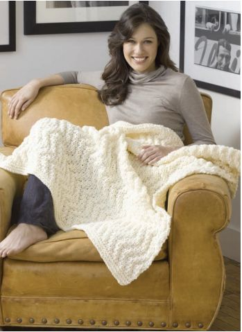 Quick Knit Blanket | A beautiful knit blanket pattern perfect for those looking for something fast and easy.