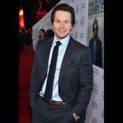 Mark Wahlberg - O ator revelou que reza todos os dias para ser um bom servo de Deus, assim como um bom pai e marido.