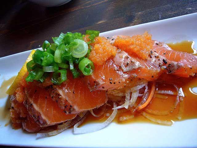 spicy salmon tataki