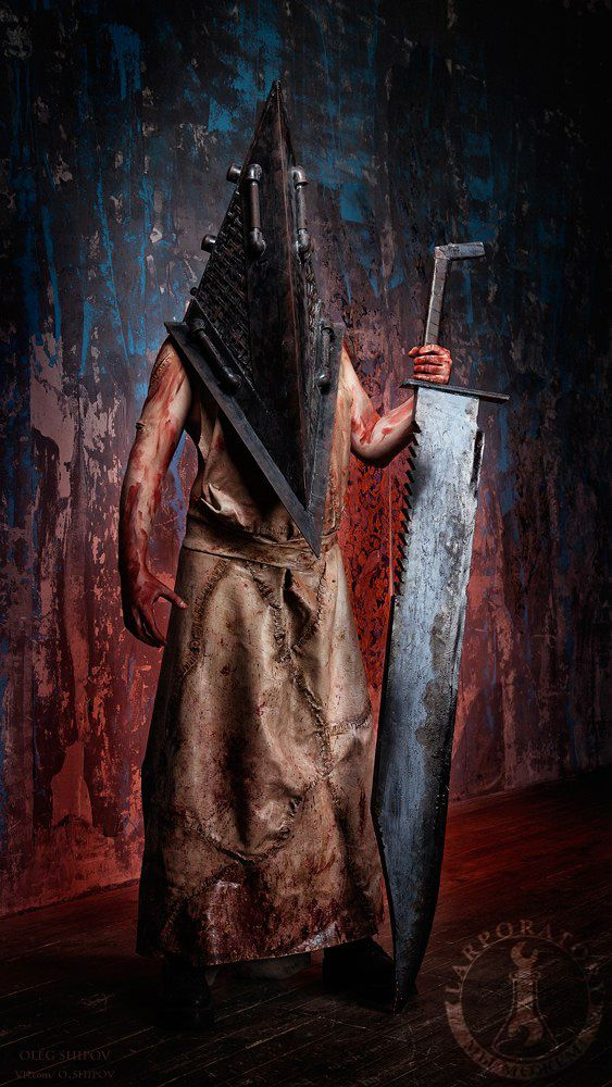 """Pyramidhead from """"Silent Hill"""" costume Photo by Oleg Shipov #lprops #props #photography #photosession #photoprops #cosplay #cosplaying #silenthill #silenthillcosplay #costume #horror #pyramidhead #silenthillpyramidhead #pyramidheadcosplay #silenthillmovie #geek #gamecosplay"""