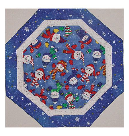 Free Printable Christmas Table Runner Quilt Patterns : 1000+ ideas about Quilted Table Toppers on Pinterest Quilt Table Runners, Quilts and Christmas ...