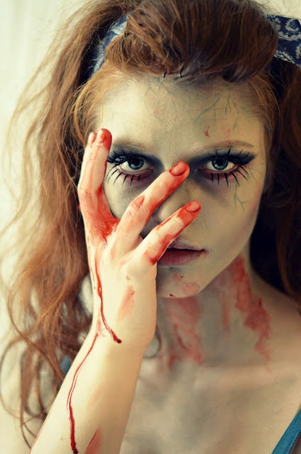 30 best Dollhouse photo shoot images on Pinterest | Halloween ...