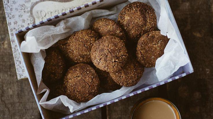 Glutenvrije koekjes van amandel en chocolade | VTM Koken