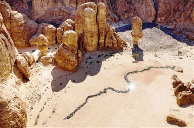 بين جبال شامخة ومعالم خلابة صحراء X العلا يحاكي الطبيعة ويسرد قصص التاريخ Art Places To Visit Painting