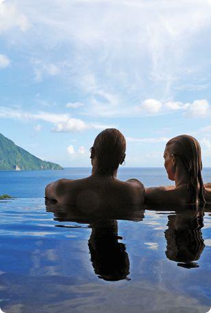 St. Lucia Honeymoon spots to fall in love with. #honeymoon #travel #romance #coupletime #glamdestinationsinc
